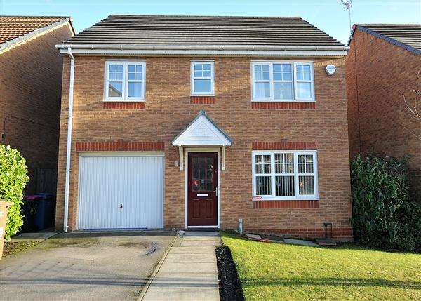 4 Bedrooms Detached House for rent in 38 Townsgate Way, Irlam M44 6RL
