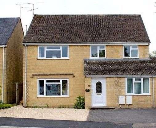 6 Bedrooms Detached House for rent in Alexander Drive