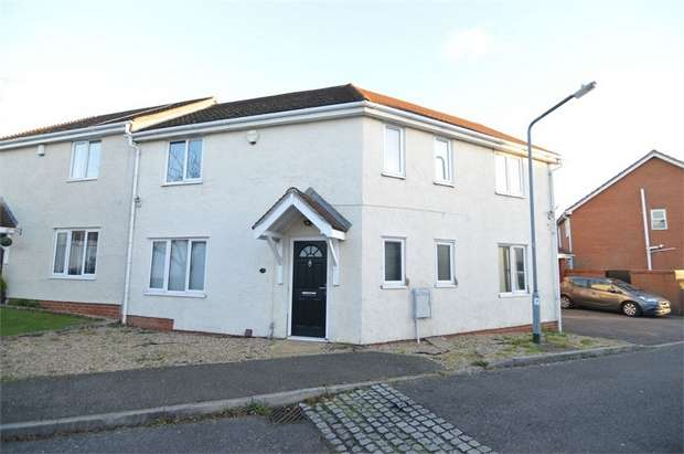 3 Bedrooms Semi Detached House for rent in Rush Drive, WALTHAM ABBEY, Essex