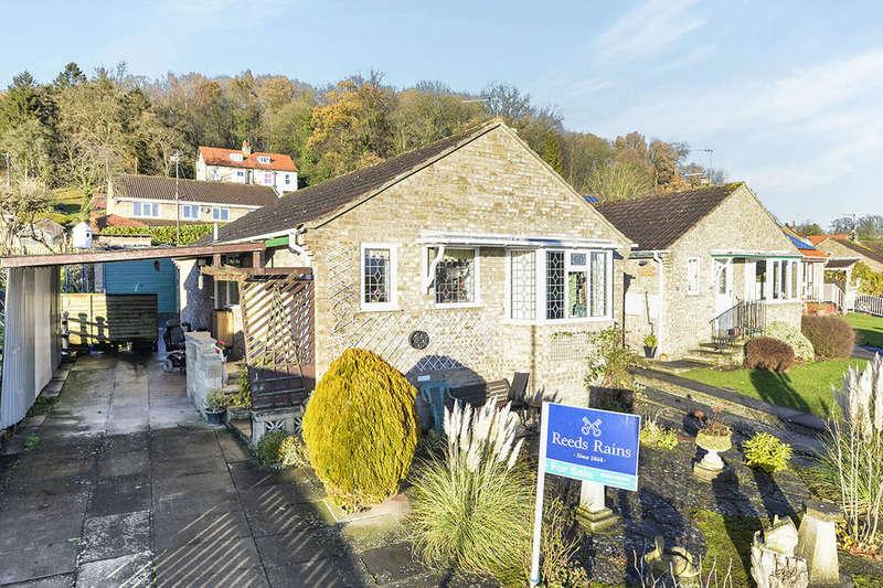 2 Bedrooms Detached Bungalow for sale in Stuteville Close, Kirkbymoorside, York, YO62