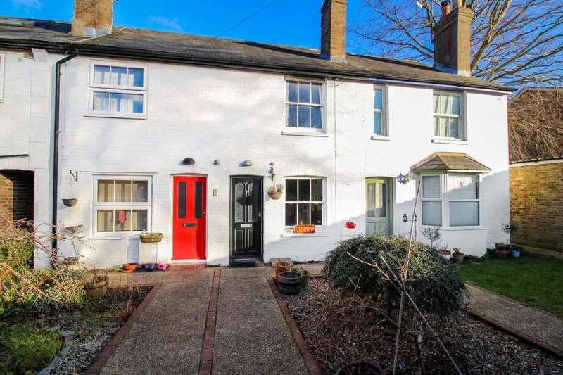 2 Bedrooms Terraced House for sale in Spring Gardens, Horsham