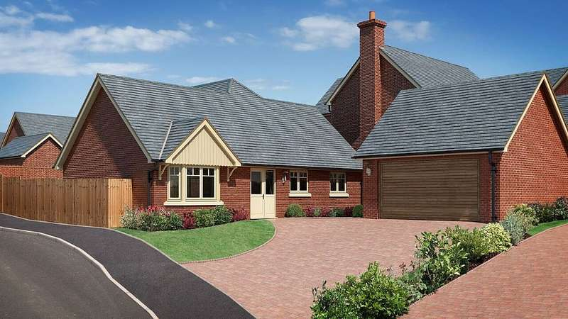 3 Bedrooms Detached Bungalow for sale in The Beeches, Chester Road, Whitchurch, Shropshire, SY13 1NB