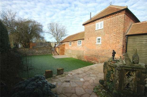2 Bedrooms Barn Conversion Character Property for rent in Searches Lane, Bedmond, Abbots Langley, Hertfordshire