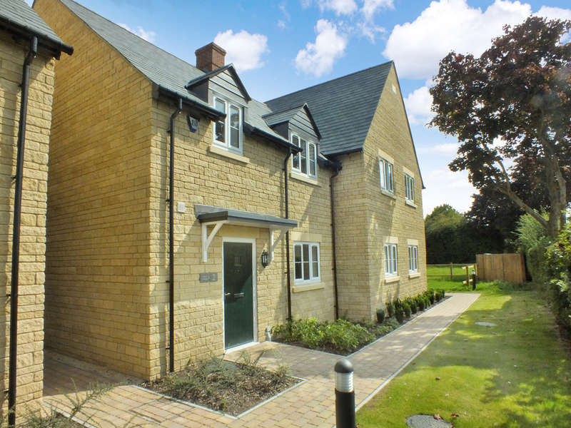 3 Bedrooms Semi Detached House for sale in Hinton Waldrist