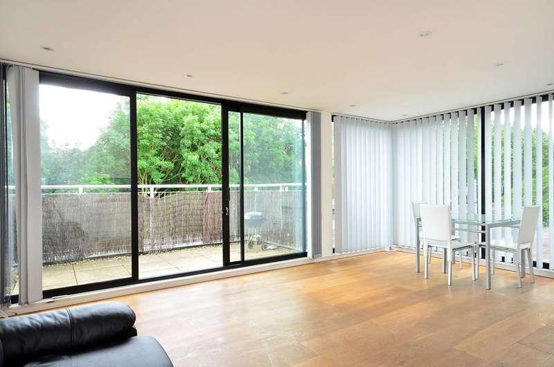 2 Bedrooms Flat for rent in City Road, Angel, EC1V