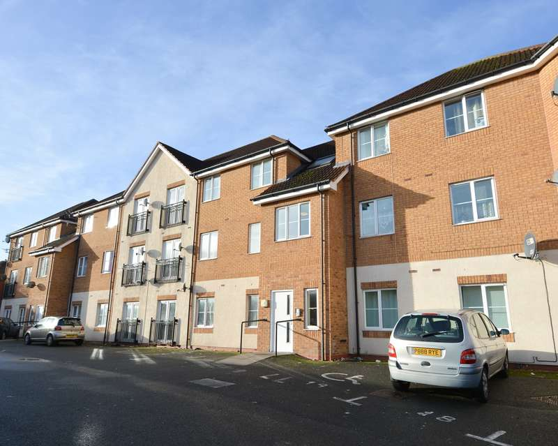 2 Bedrooms Flat for sale in Dunsford Road, Bearwood, B66