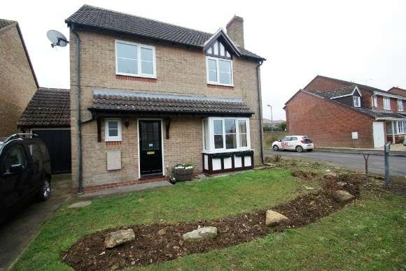 4 Bedrooms Detached House for rent in Queens Close, Ludgershall