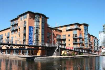2 Bedrooms Flat for rent in Canal Wharf