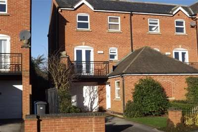 3 Bedrooms House for rent in Shaftesbury Avenue, Radcliffe NG12 2NH