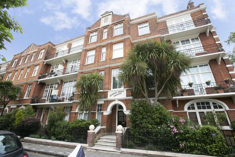 4 Bedrooms Apartment Flat for rent in Richmond Bridge Mansions, East Twickenham TW1