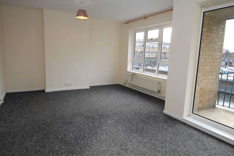 3 Bedrooms Flat for rent in Adeyfield