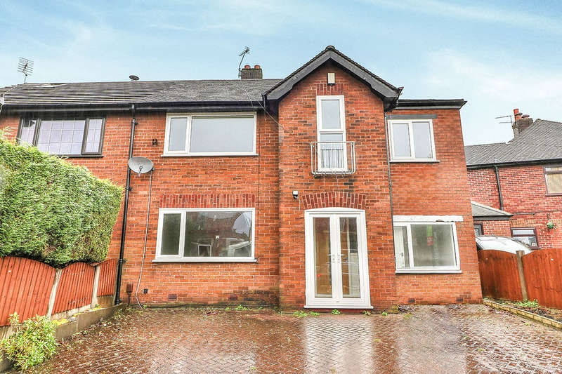 4 Bedrooms Semi Detached House for rent in Dumers Lane, Bury, BL9