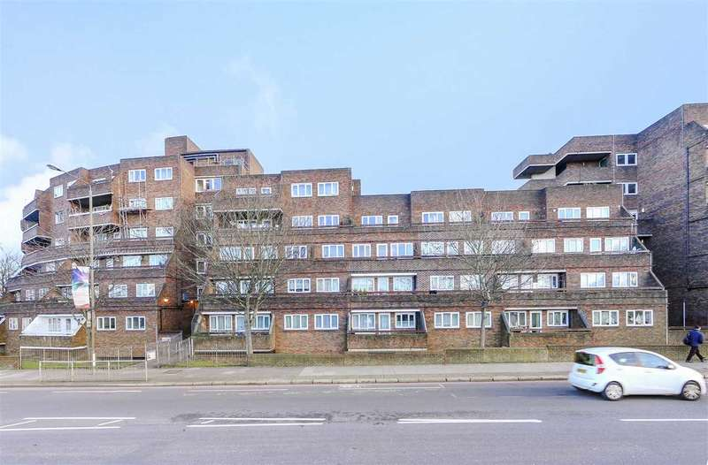 2 Bedrooms Apartment Flat for sale in Petrie House, 1 Woolwich Common, London