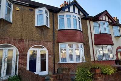 3 Bedrooms House for rent in Westmount Avenue, Chatham