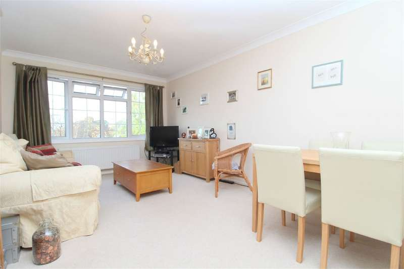 1 Bedroom Apartment Flat for sale in Chertsey Road, Ashford, TW15