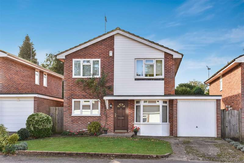 4 Bedrooms Detached House for sale in The Brambles, Crowthorne, RG45