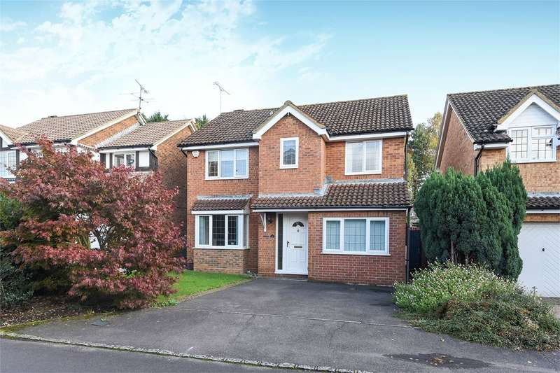 4 Bedrooms Detached House for sale in Merryweather Close, Wokingham, RG40