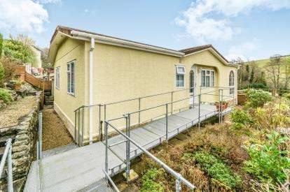2 Bedrooms Bungalow for sale in Harrowbarrow, Callington, Cornwall