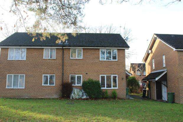 1 Bedroom Terraced House for sale in Lightwater, Surrey