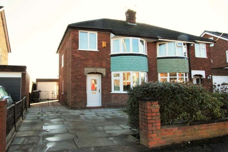 3 Bedrooms Semi Detached House for rent in Westover Road, Padgate, Warrington