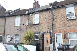 2 Bedrooms Terraced House for sale in Railway Street, Northfleet, Gravesend, Kent
