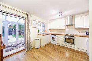3 Bedrooms Terraced House for sale in Middlefields, Pixton Way, Selsdon, South Croydon
