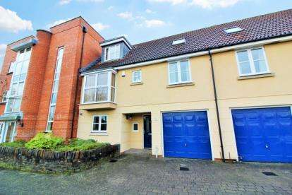 3 Bedrooms Terraced House for sale in Strathearn Drive, Westbury-On-Trym, Bristol