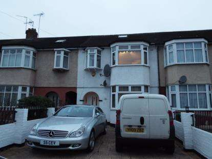 4 Bedrooms Link Detached House for sale in Berkley Avenue, Waltham Cross, Hertfordshire