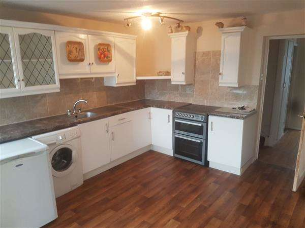 4 Bedrooms Town House for rent in Moore Close, London