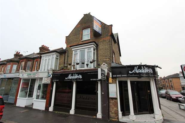 3 Bedrooms Flat for rent in Hoppers Road, Palmers Green, N21