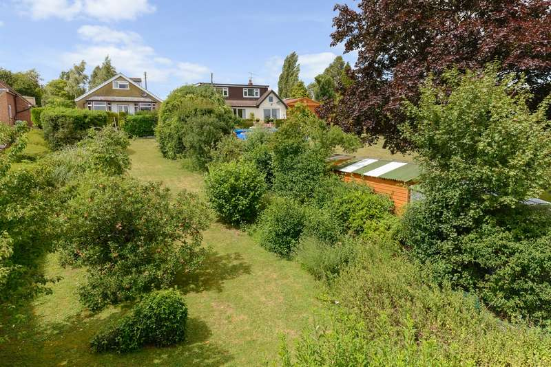 3 Bedrooms Detached Bungalow for sale in Pilgrims Lane, Chilham, CT4