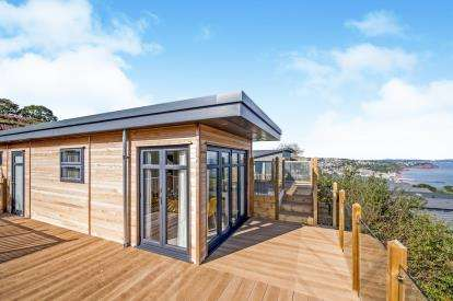 2 Bedrooms Bungalow for sale in Shaldon, Teignmouth, Devon