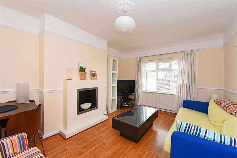 3 Bedrooms Apartment Flat for sale in Cherry Court, Pitt Crescent, Wimbledon Park