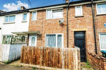 2 Bedrooms Terraced House for sale in Havelock Street, Aylesbury, Bucks, England