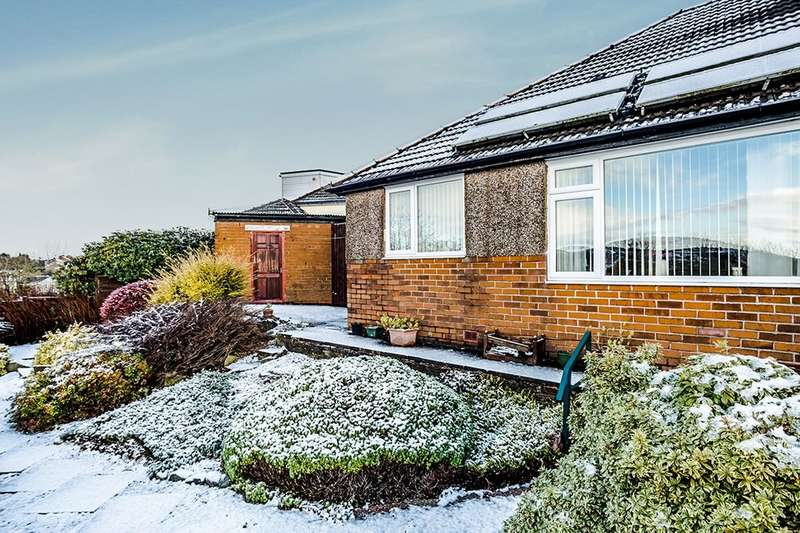 2 Bedrooms Semi Detached Bungalow for sale in Deer Croft Drive, Salendine Nook, Huddersfield, HD3