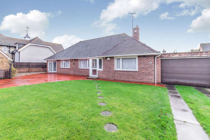 3 Bedrooms Detached Bungalow for sale in Oakwood Road, Maidstone, ME16