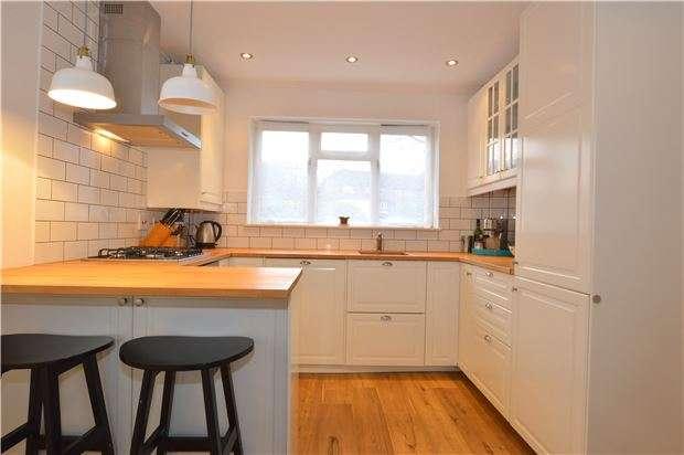 3 Bedrooms Semi Detached House for sale in Robinwood Drive, Seal, SEVENOAKS, Kent, TN15 0TA