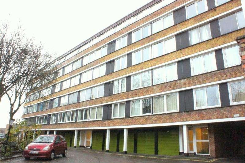 3 Bedrooms Flat for rent in High Kingsdown, Kingsdown, Bristol, BS2 8DF