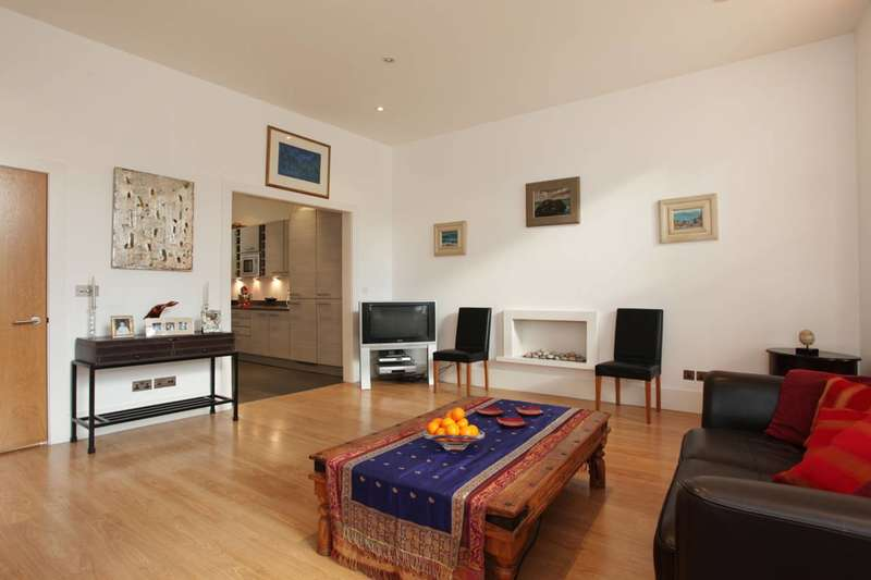 3 Bedrooms Flat for sale in Clanricarde Gardens, Notting Hill, W2