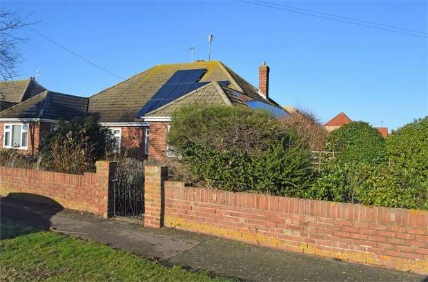 2 Bedrooms Semi Detached Bungalow for sale in Hereford Road, Holland-on-Sea, Clacton-on-Sea, Essex