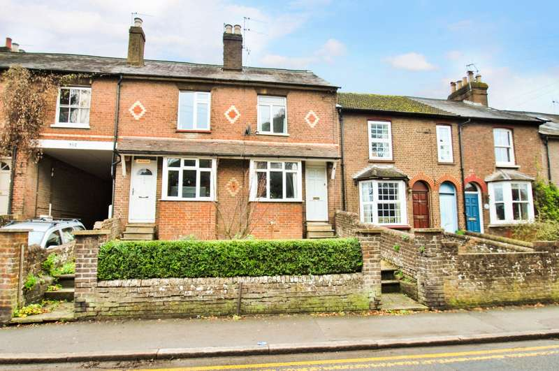 2 Bedrooms Terraced House for sale in Waterside, Chesham, HP5