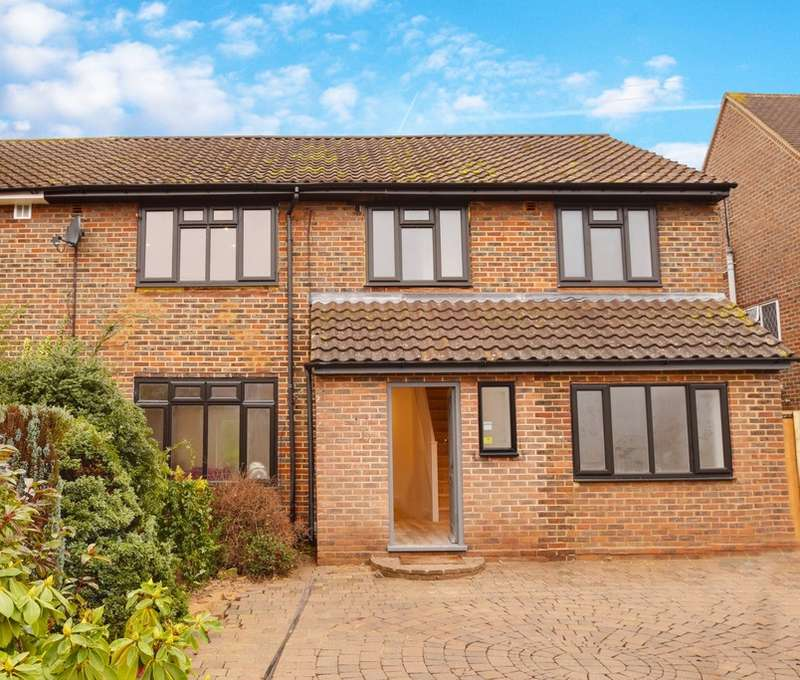 5 Bedrooms Semi Detached House for sale in BEECH DRIVE, BOREHAMWOOD, BOREHAMWOOD, WD6