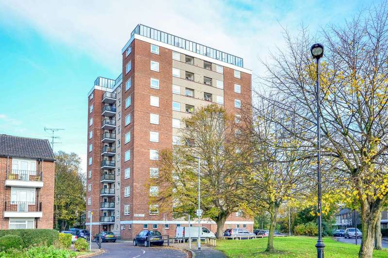 2 Bedrooms Flat for sale in Percy Gardens, Old Isleworth, TW7