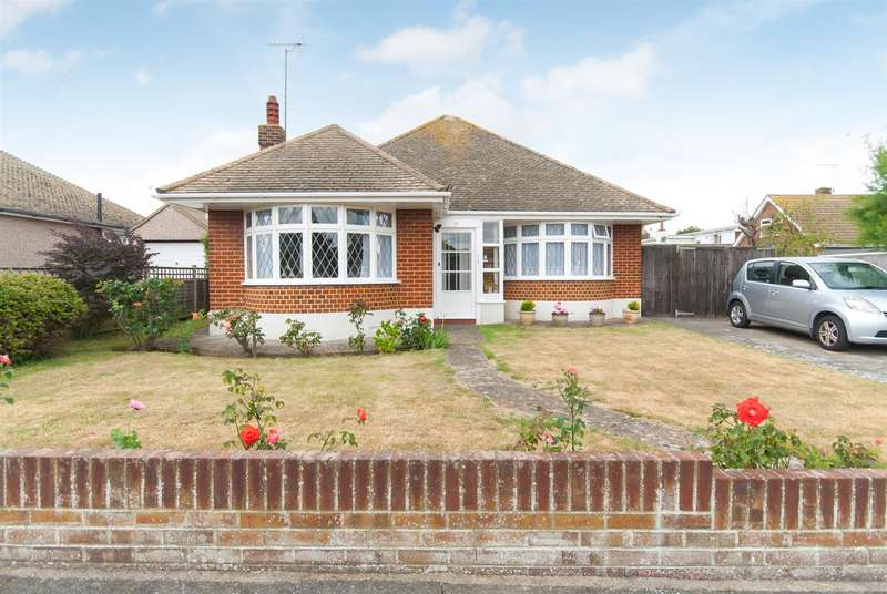 2 Bedrooms Detached Bungalow for sale in Smugglers Way, Birchington