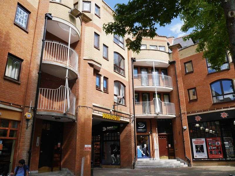 1 Bedroom Property for sale in The Chilterns, Gloucester Green, Oxford