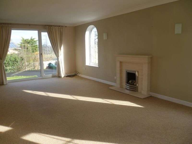 5 Bedrooms Detached House for rent in Walton Station Lane, Wakefield, WF2