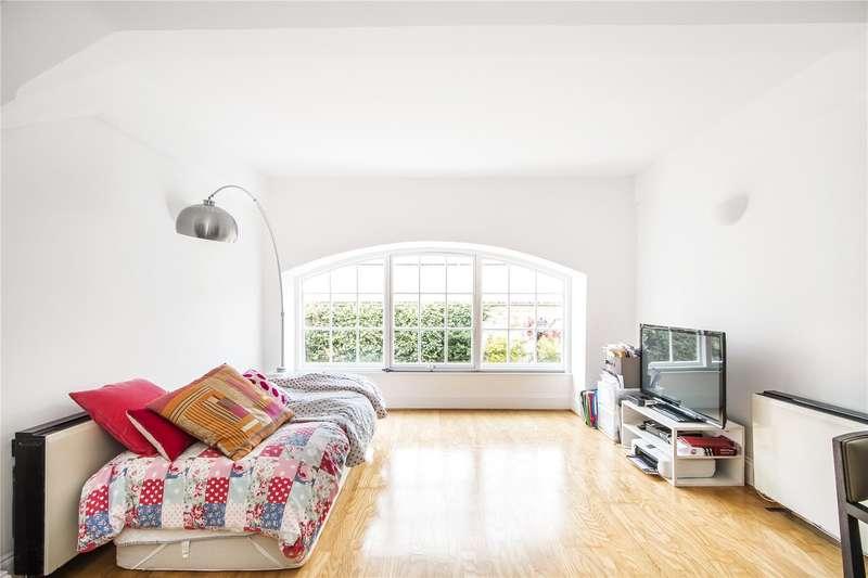 1 Bedroom Flat for sale in Regents Bridge Gardens, London, SW8