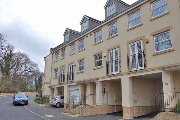 4 Bedrooms Town House for rent in Blaisedell View, Henbury, BS10