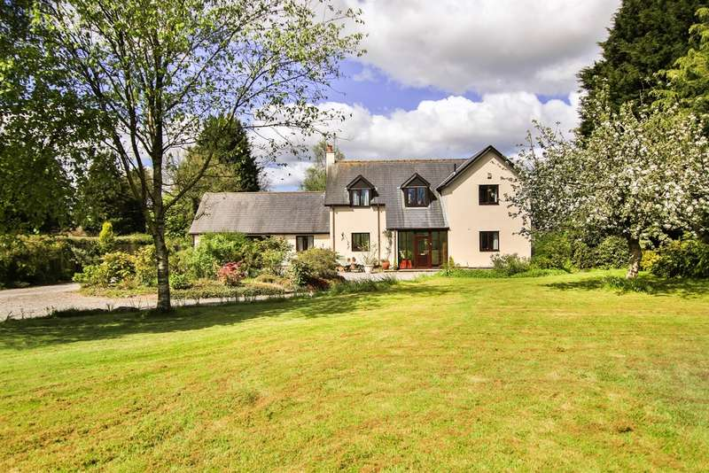 4 Bedrooms Detached House for sale in Broad Close Lane, Moulton, Nr. Llancarfan