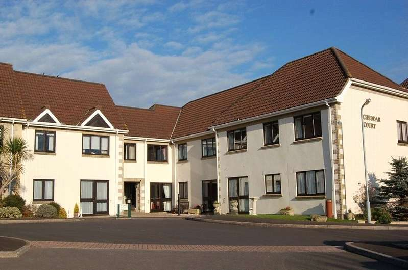 2 Bedrooms Flat for sale in Station Road Cheddar Somerset BS27